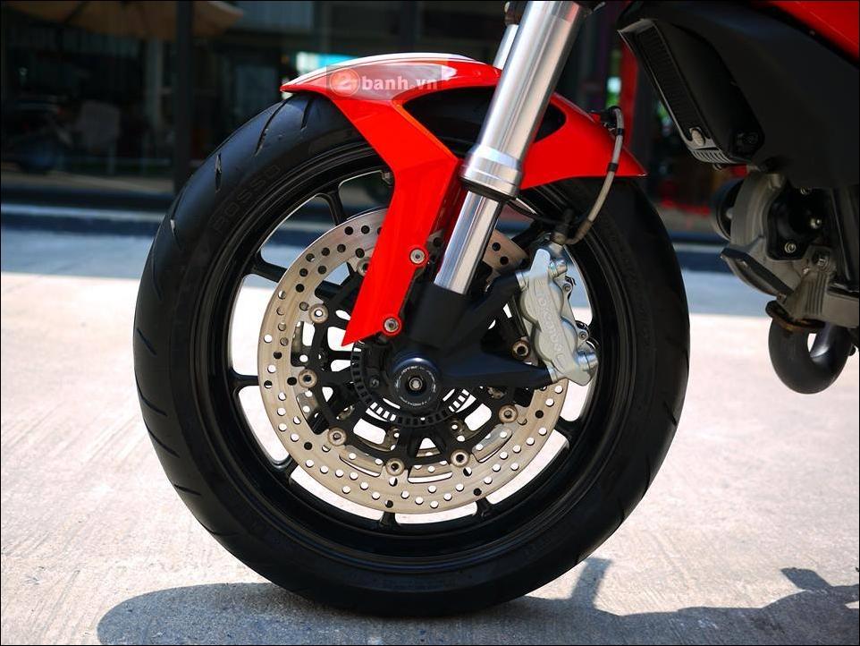 Ducati Monster 796 Hau due sau thanh cong cua Monster 795 - 10