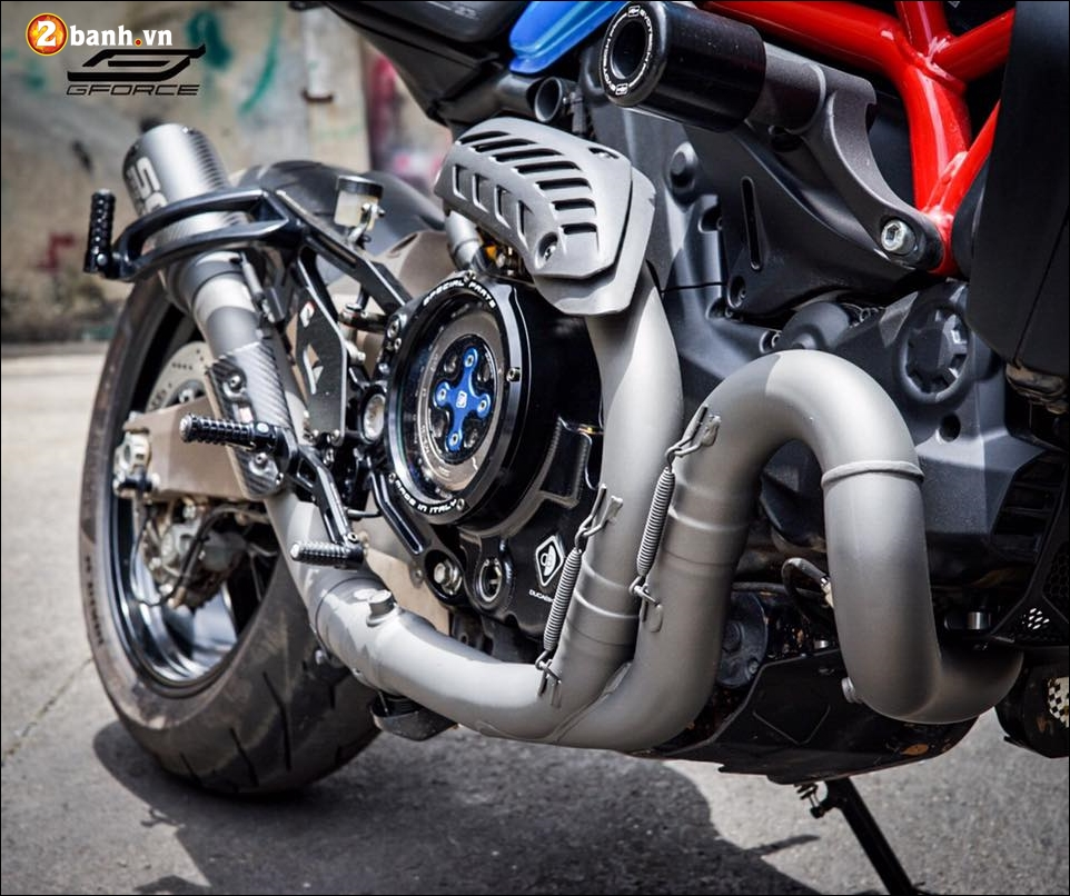 Ducati Monster 821 do noi bat cung xanh tuoi mat Atlantis Blue - 6