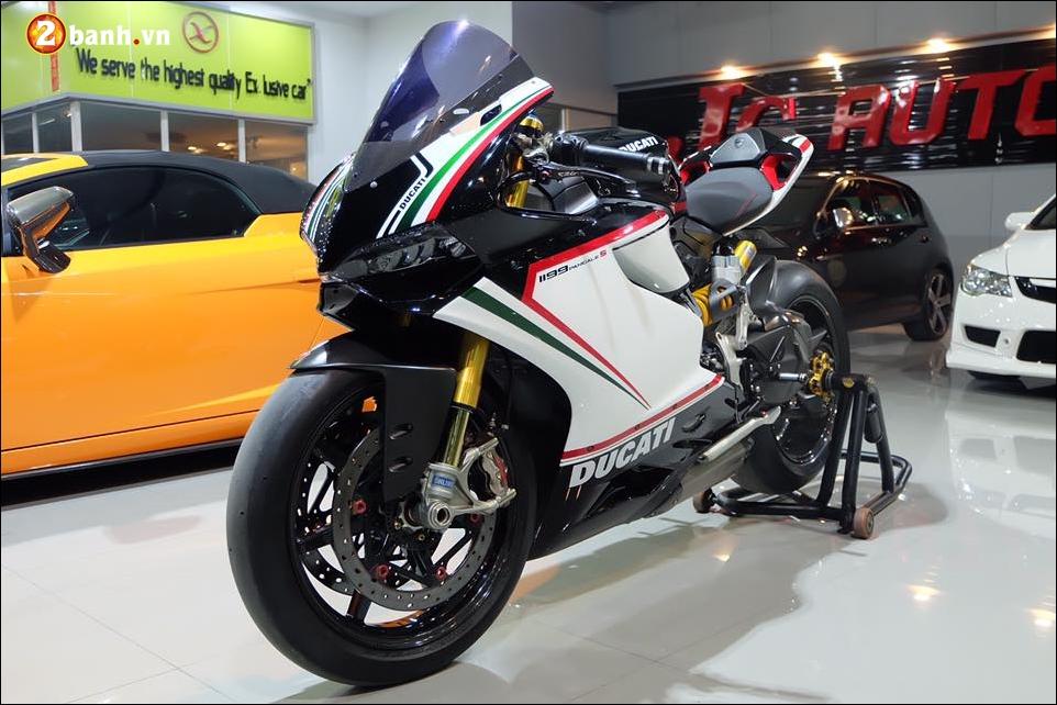 Ducati Panigale 1199 do Quy du hung bao cung tem dau the thao - 6