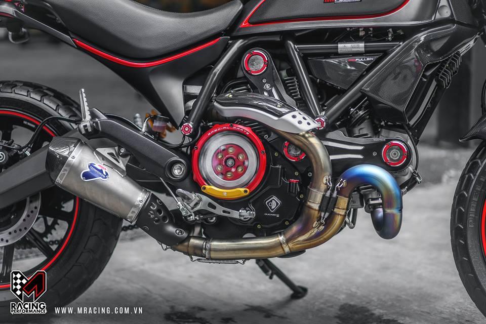 Ducati Scrambler dep tinh te tu nguyen lieu Titanium