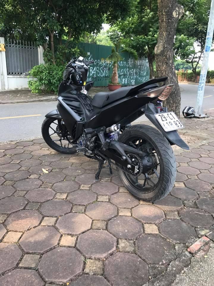 Exciter 135 do full black voi dan chan che tu doi thu nha Honda - 5
