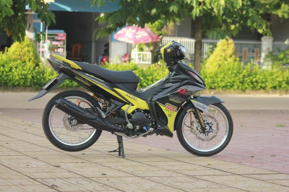 Exciter 135 sac vang nhe nhang don binh minh cua biker Binh Thuan