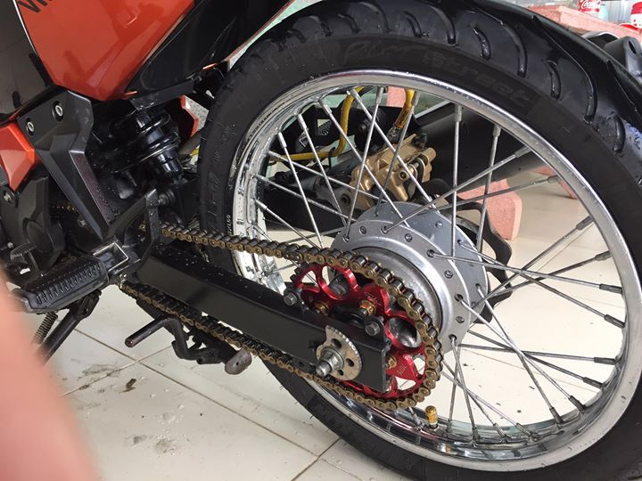 Exciter 135cc do nhieu do choi cung cap trum men cua Biker Sai Gon