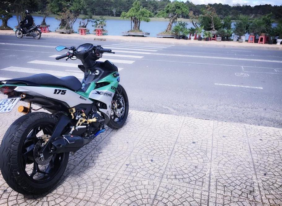 Exciter 150 do kieng buc pha day manh me cua biker Lam Dong - 10