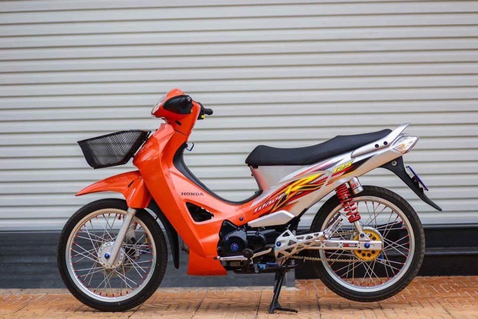 Future 2 do phong cach Wave 125 leng keng xa beng cua Biker Soc Trang - 2