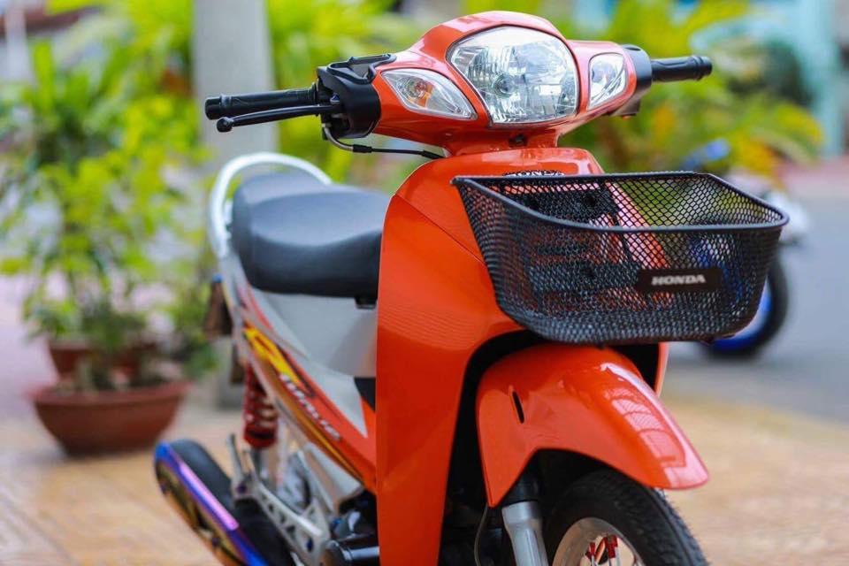 Future 2 do phong cach Wave 125 leng keng xa beng cua Biker Soc Trang - 4