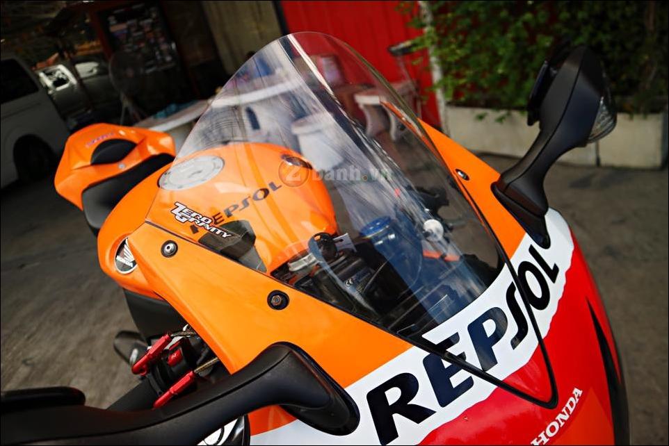 Honda CBR1000RR Repsol do don gian tinh te trong tung chi tiet - 4