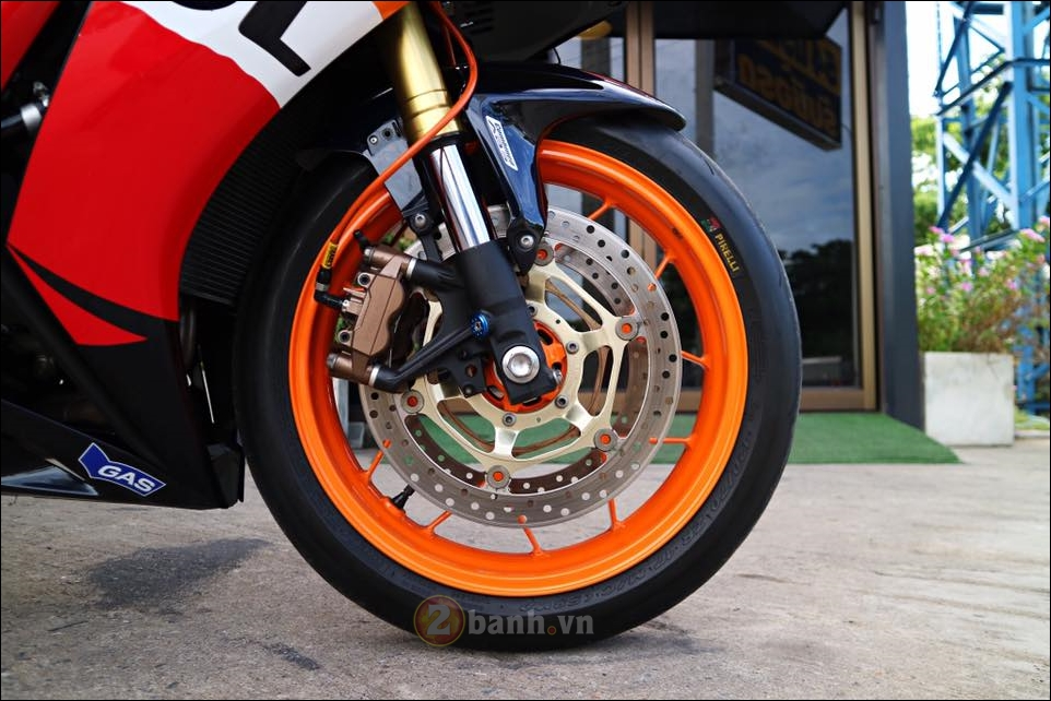 Honda CBR1000RR Repsol do don gian tinh te trong tung chi tiet - 8