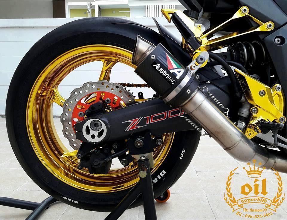 Kawasaki Z1000 nong bong ben dan chan chrome choi chang