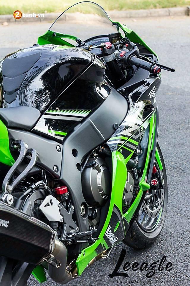 Kawasaki ZX10R ke thong tri duong dua WSBK - 6