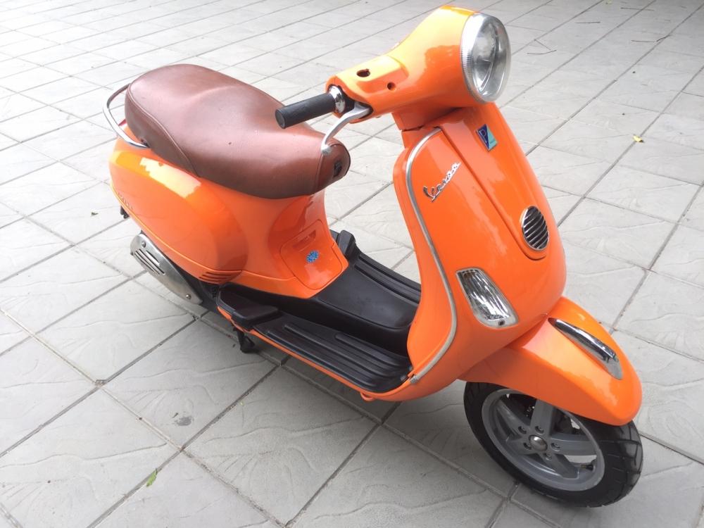 Vespa LX 125 Viet mau cam 2011 khoa tu 30X6 6801 - 2