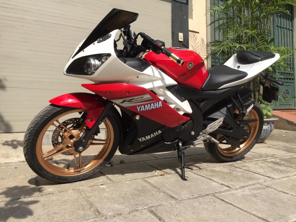 Yamaha R15Phien ban 2013do trang