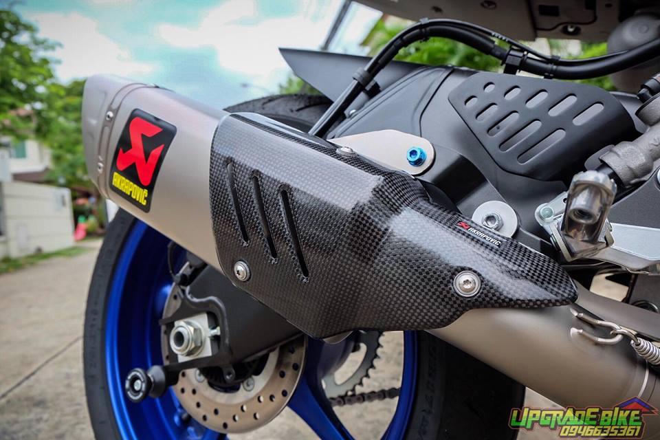 Yamaha R6 ke thua tinh hoa tu R1 va R1M uy luc cung nong sung Akrapovic