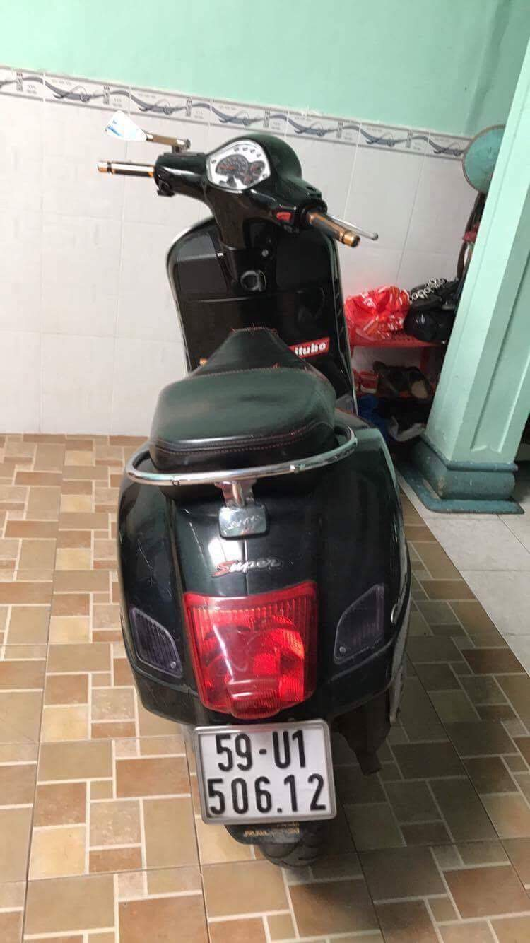 Can ban xe GTS 125cc hang nhap Italy chinh chu mau den doi 2011 - 4