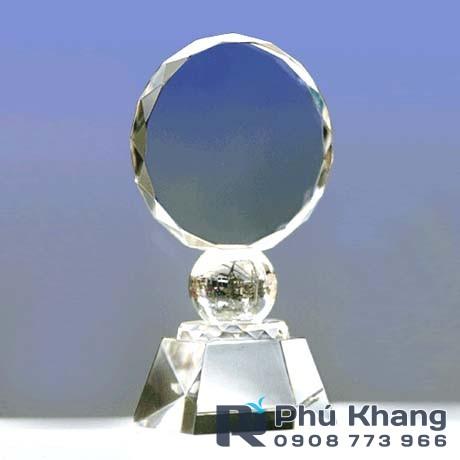 Co so cung cap bieu trung qua tang san xuat ky niem chuong pha le - 4