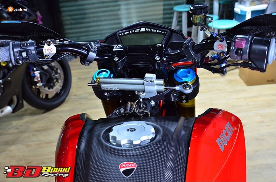 Ducati Hypermotard 821 do Vua duong pho trong trang bi hang sang - 5