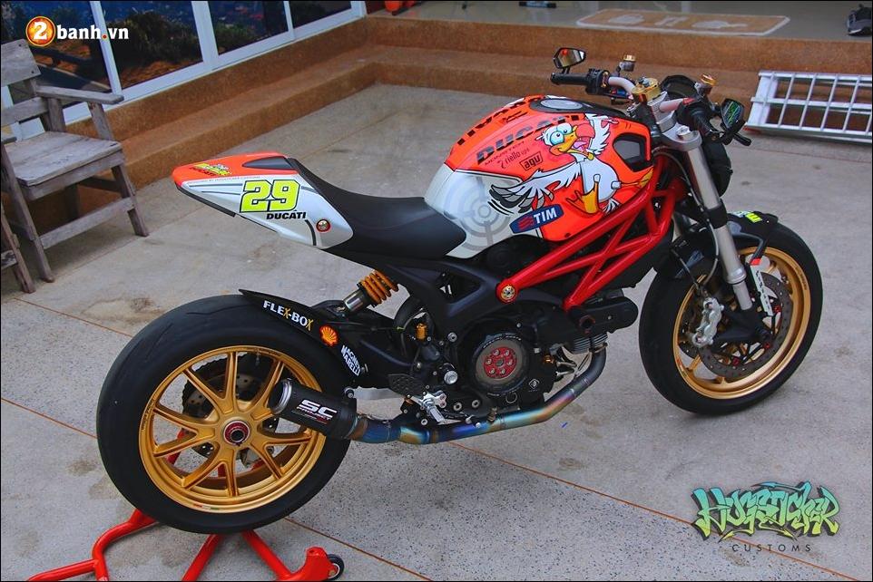 Ducati Monster 796 do pha cach cung tem dau AGV - 6