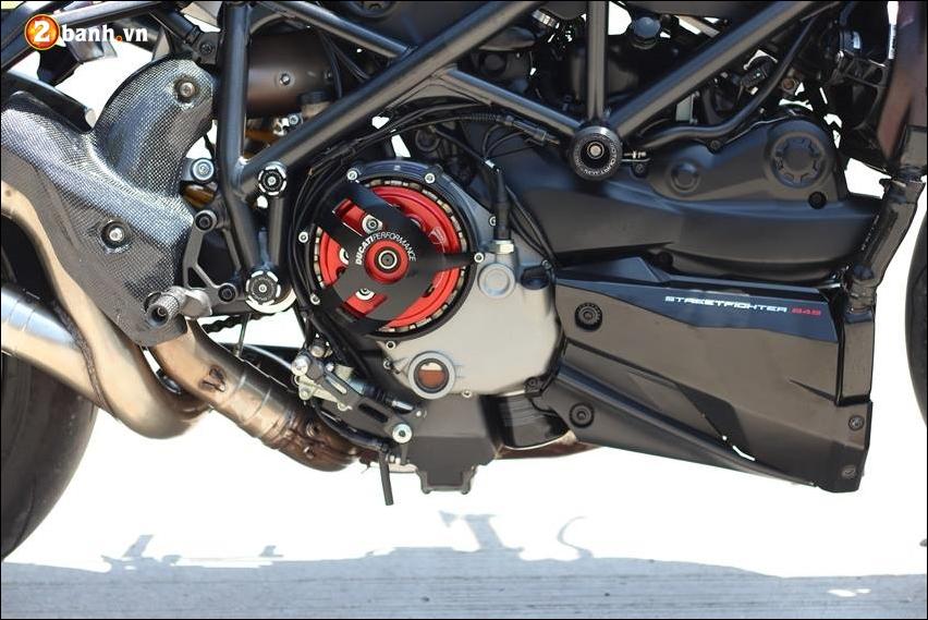 Ducati Streetfighter 848 do cuc ngau ben tong mau den huyen bi - 12