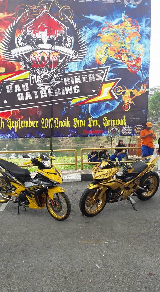 Exciter 2010 do an tuong voi xe sieu nhan Vang cua biker nuoc ban - 9
