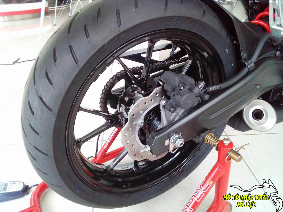 Honda CB150R Exmotion 2018 nhap khau Thai Lan - 2