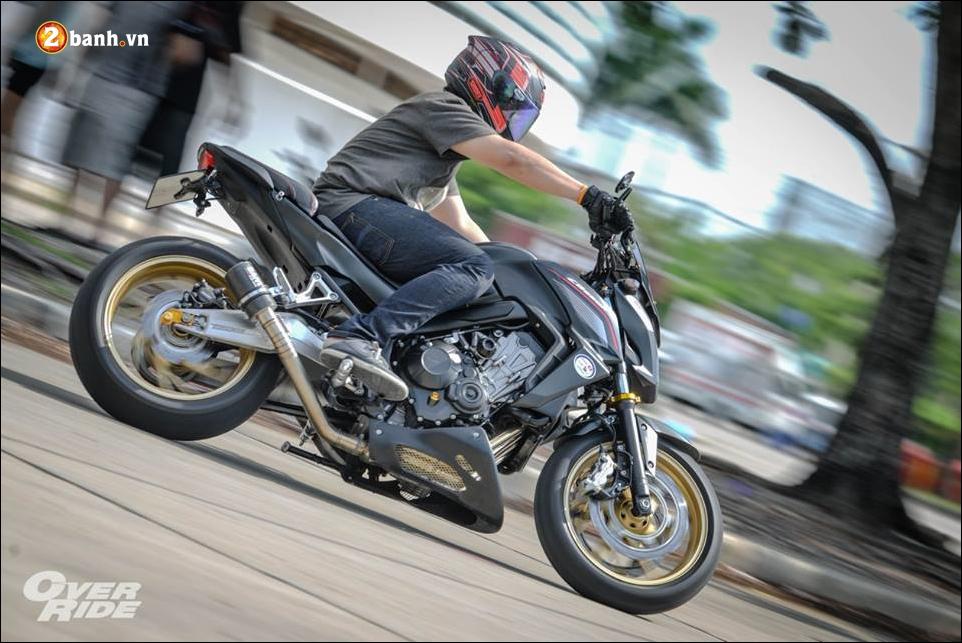 Honda CB650F Chien binh Nakedbike cung cap voi ban do bui bam phong tran - 21