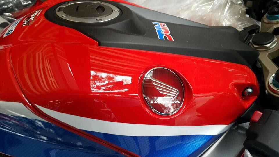 Hang cuc hiem Honda CBR 1000RR SP2 dau tien ve Viet Nam - 4
