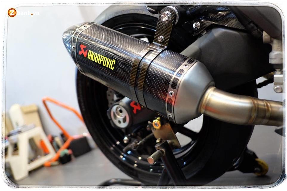 Kawasaki Z1000 do Nakedbike than thanh den khong ty vet - 12