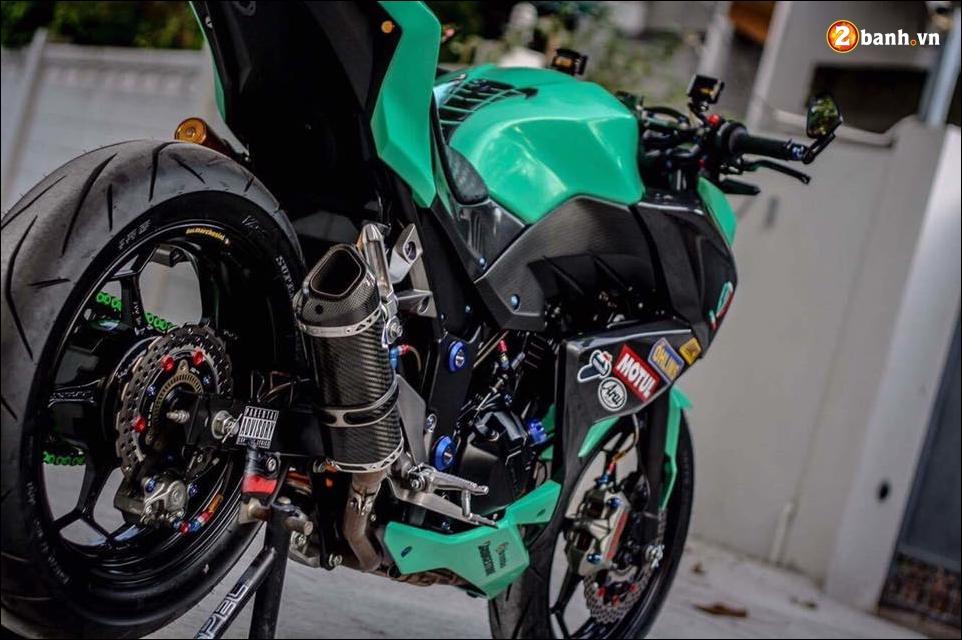 Kawasaki Z300 do mau moi cung loat do choi tinh te - 5