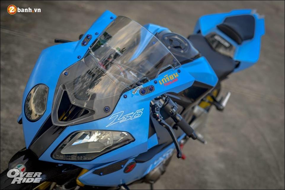 Kawasaki Z800 do tao bao tu y tuong nang cap thanh ca map BMW