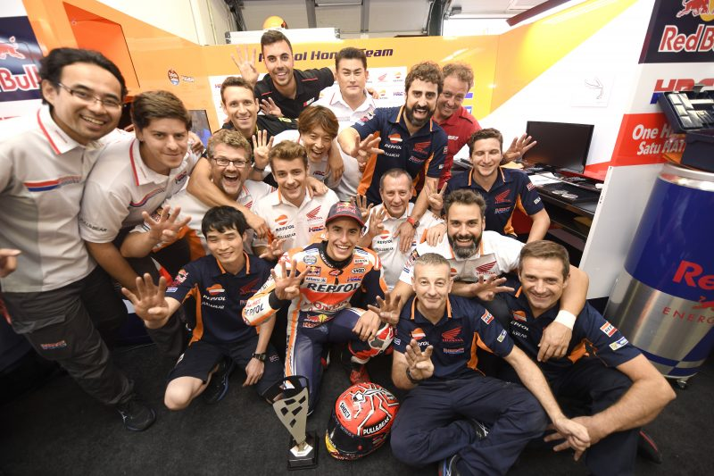 Marc Marquez chien thang day kich tinh trong chang 13 MotoGP 2017 - 6