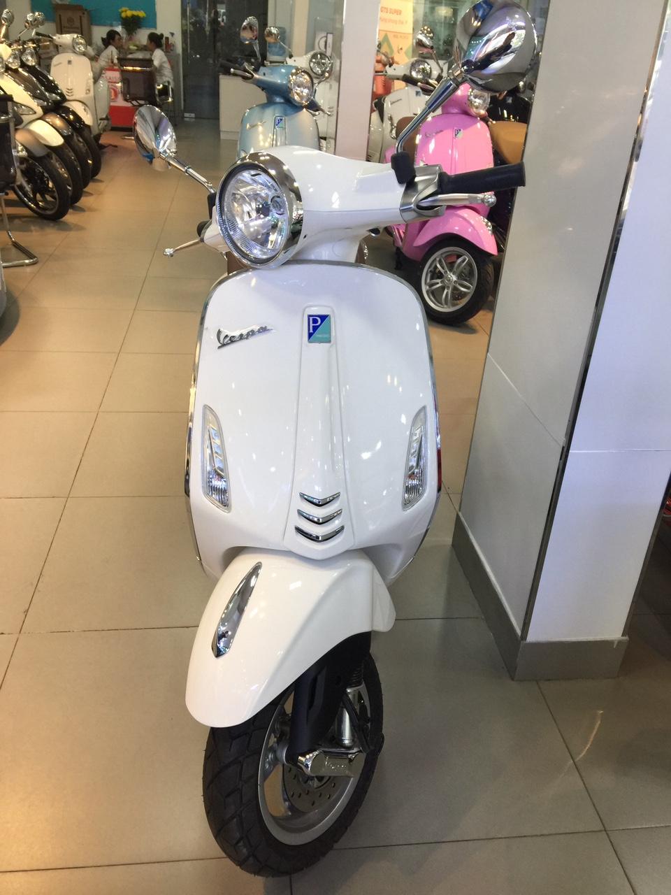 Mua xe Vespa Primavera 2017 tai HCM Chuong trinh Hot - 5