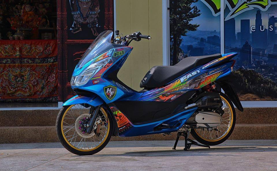 PCX 150 do kieng doc dao voi doi chan mong manh cua biker nuoc ban - 3