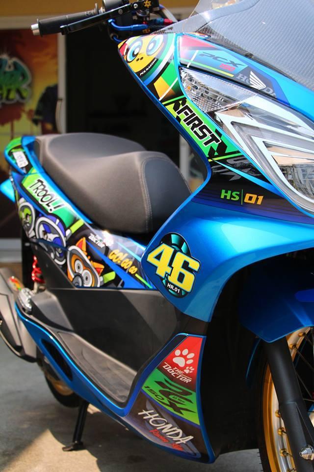 PCX 150 do kieng doc dao voi doi chan mong manh cua biker nuoc ban - 5