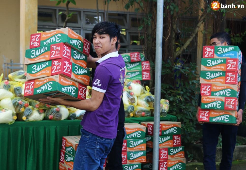 Team Exciter Volunteer HCM Dam me chia se trao yeu thuong lan III - 9