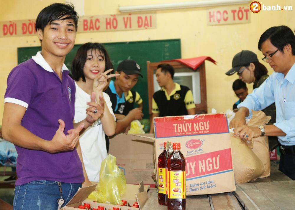 Team Exciter Volunteer HCM Dam me chia se trao yeu thuong lan III - 8