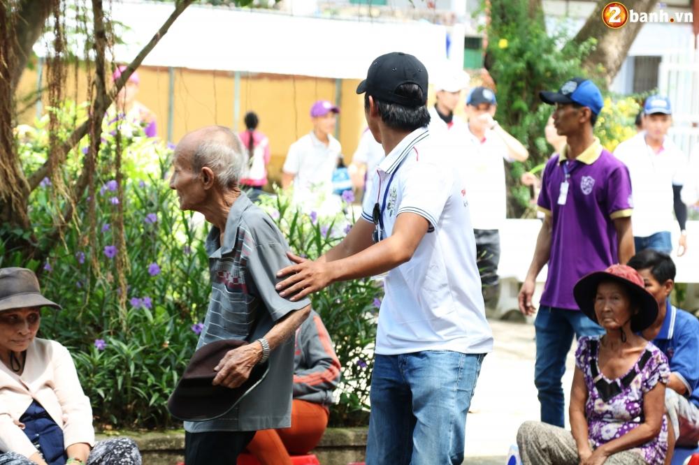 Team Exciter Volunteer HCM Dam me chia se trao yeu thuong lan III - 13