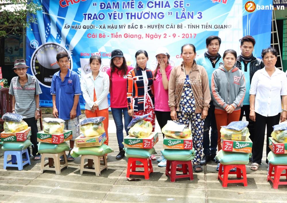 Team Exciter Volunteer HCM Dam me chia se trao yeu thuong lan III - 19