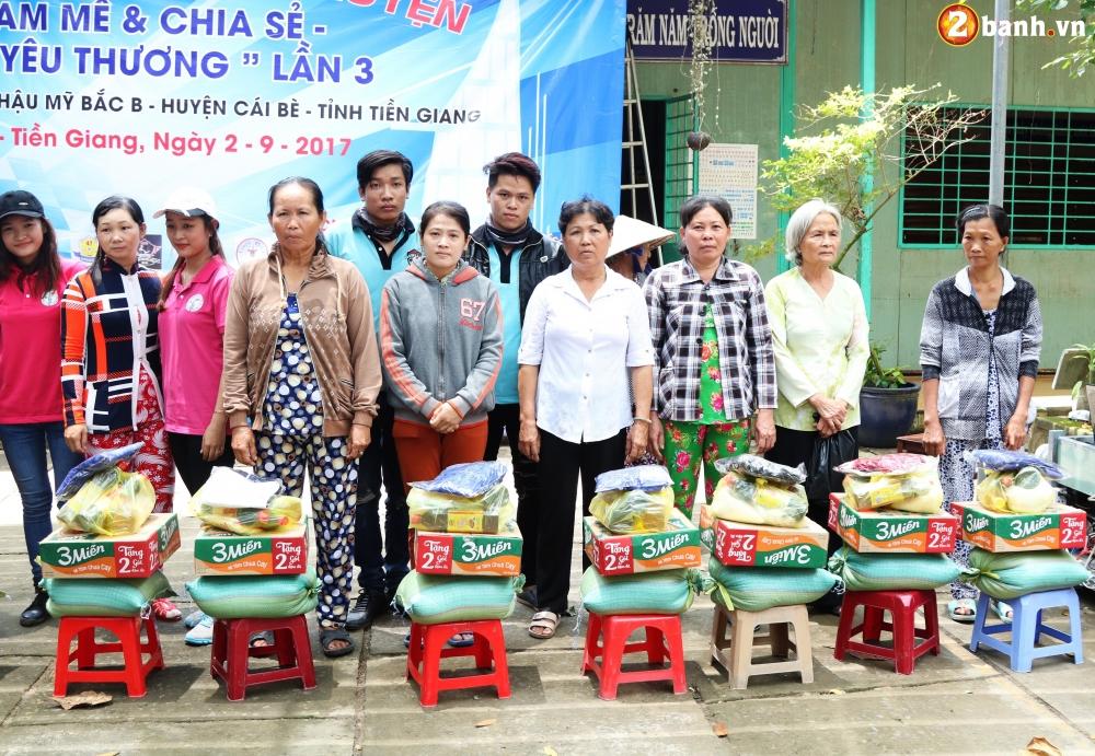 Team Exciter Volunteer HCM Dam me chia se trao yeu thuong lan III - 20