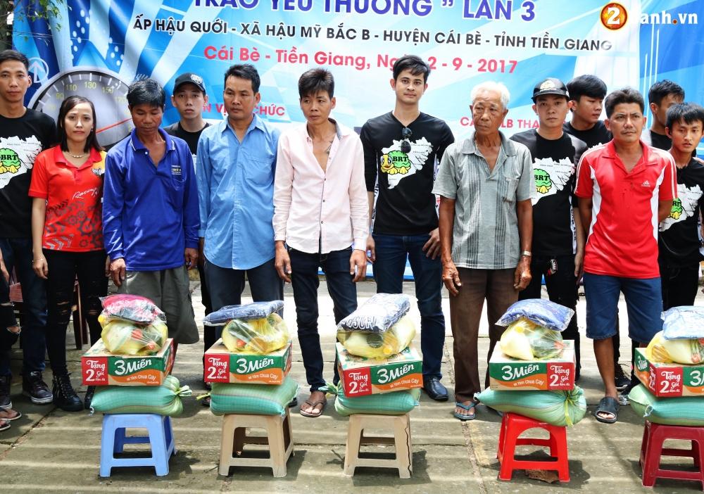 Team Exciter Volunteer HCM Dam me chia se trao yeu thuong lan III - 23