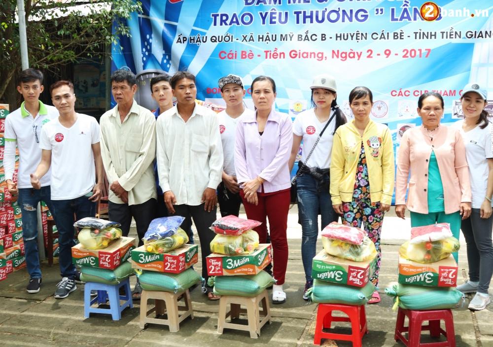 Team Exciter Volunteer HCM Dam me chia se trao yeu thuong lan III - 24