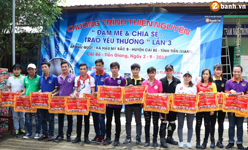 Team Exciter Volunteer HCM Dam me chia se trao yeu thuong lan III - 36