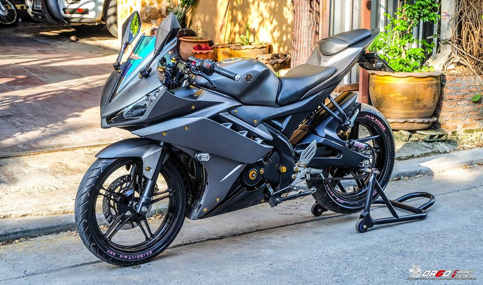Yamaha R15 do kieng nhe khoe dang cua biker nuoc ban - 3