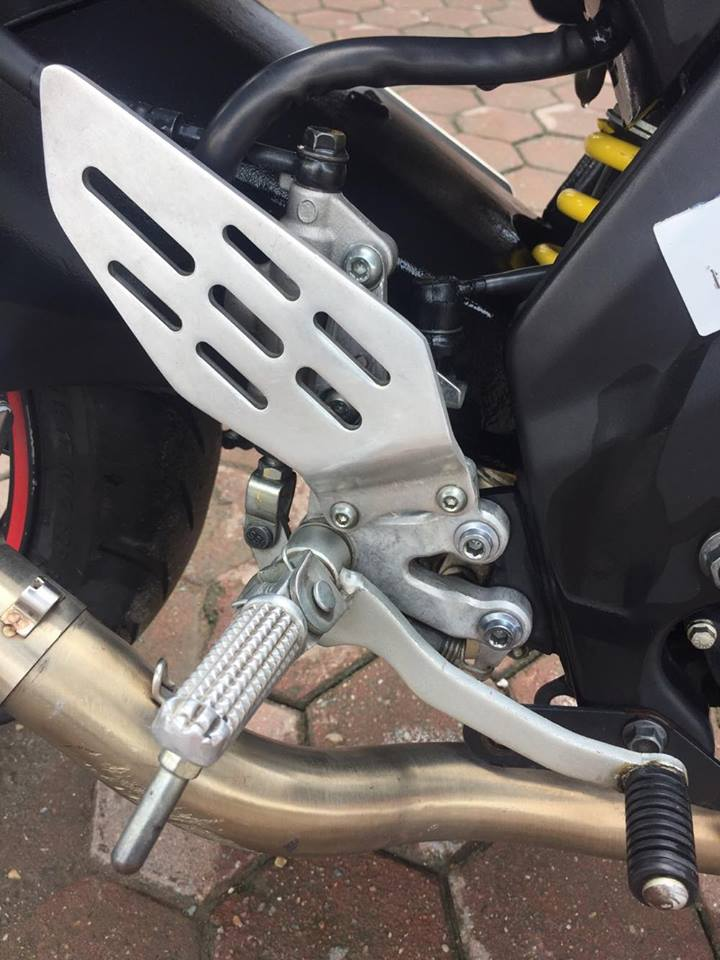 Yamaha R15 Phien ban 2014 TRANG DO - 4