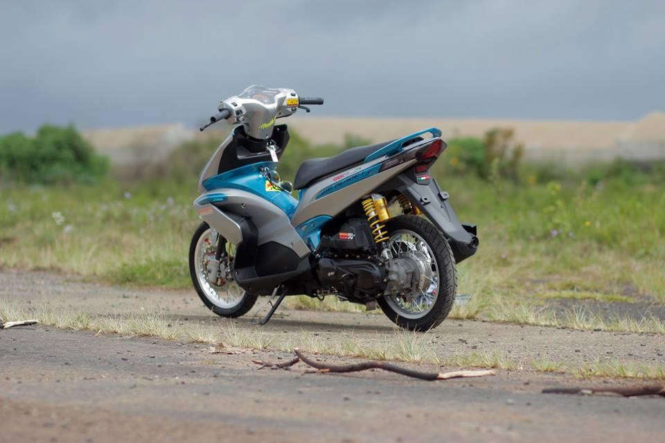 Air blade do tung hoanh giua con duong hoang so cua biker Viet - 8