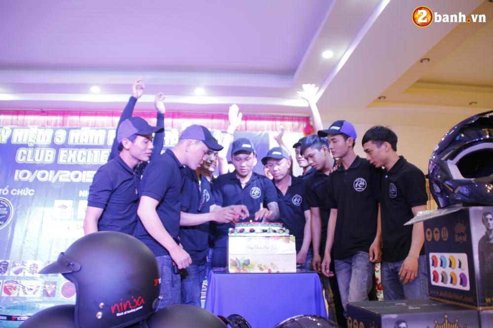 Club Exciter Quang Da mung sinh nhat lan III day hoanh trang - 14