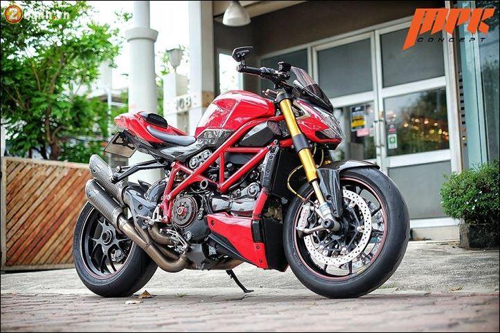 Ducati Streetfighter phieu cung ga du con duong pho Italia