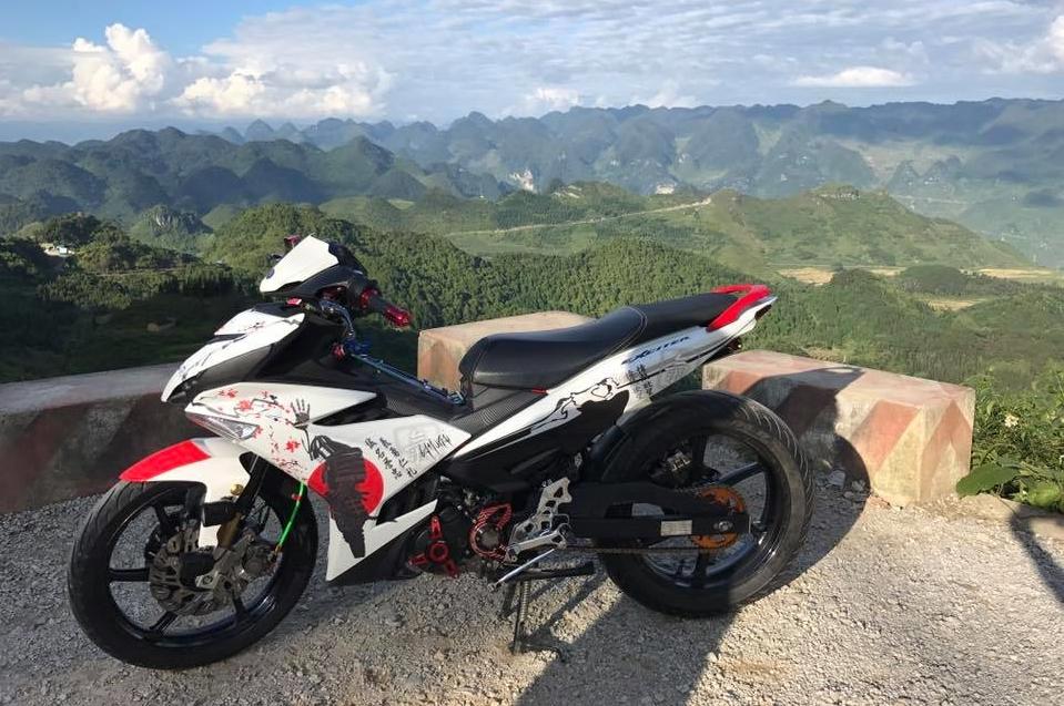 Exciter 150 do do dang cung canh dep hoang so hung vi cua nui rung Ha Giang - 7
