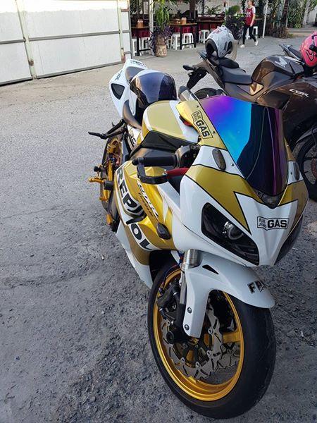 Honda CBR1000RR suc hut kho cuong tu option tinh te - 3