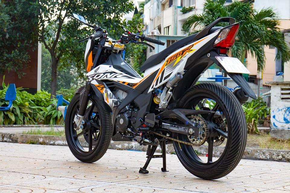 Honda Sonic 150R do cuc KHUNG voi khoi do choi hoang toc cua biker Viet - 14