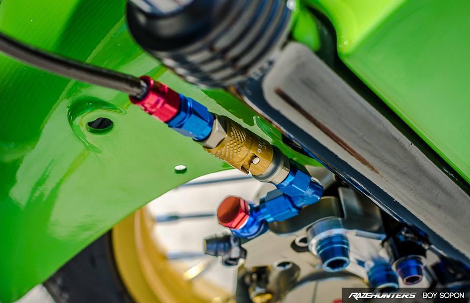 Kawasaki VictorSE 150 Dua con toc do voi loat do choi Khung - 9